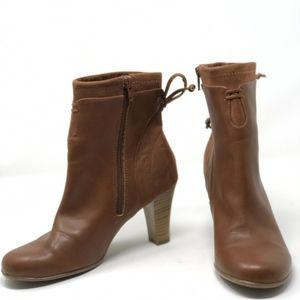 A2 Aerosoles Booties Boots Brown Sz 7 Bow on Back